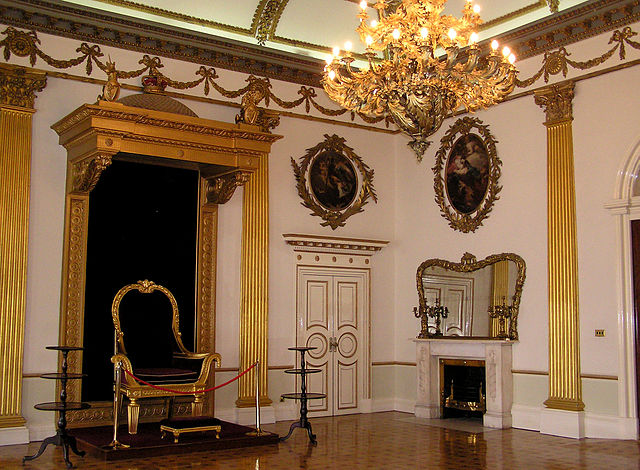 640px-(Ireland)_Dublin_Castle_Interior_(Throne)