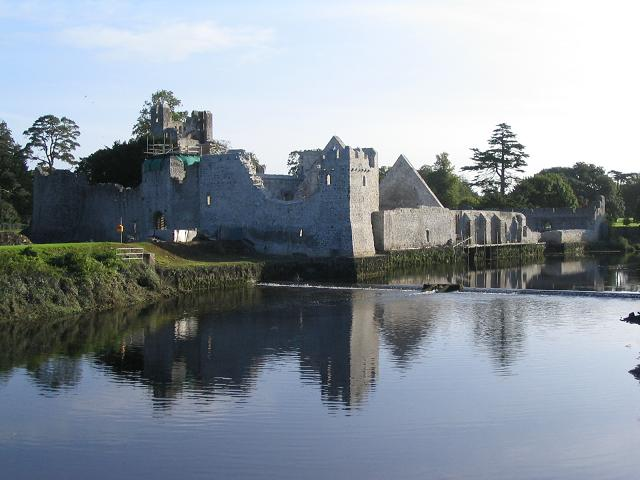 desmondcastle_geograph-248064-by-peter-craine